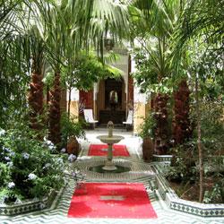 Hotel tinmel marrakech riad tinmel maroc for Jardin hispano mauresque